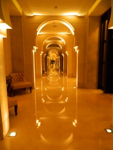The main hallway that leads to the rooms and restaurants
