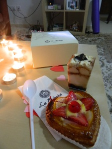 And then Scott surprised me with dessert from my favorite bakery - La Brioche!! Tiramisu AND a heart danish : )